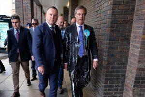 Politiek , Nigel Farage , Alt-Right , Far Right , Antifa , Politiek Geweld , Brexit , Racisme , Blanke Supremacists